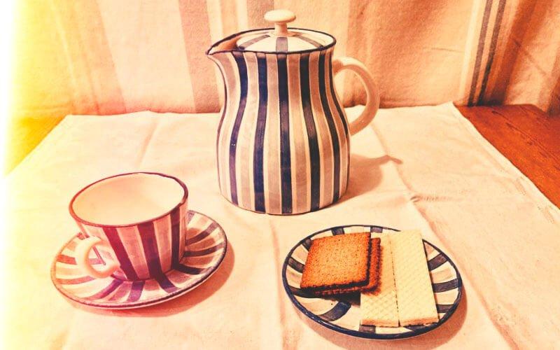 Mit Kaffee in froher Runde, Foto: Martin Otte