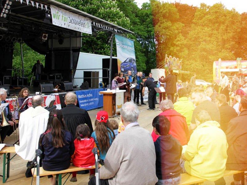 Ökumenischer Gottesdienst beim Sommerfest im Mariannenpark, Schönefeld, Foto: A. Michl