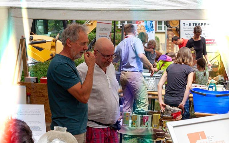 Stand des Eine-Welt-Kreises zum Gemeindefest, Foto: Jakob Gleisberg