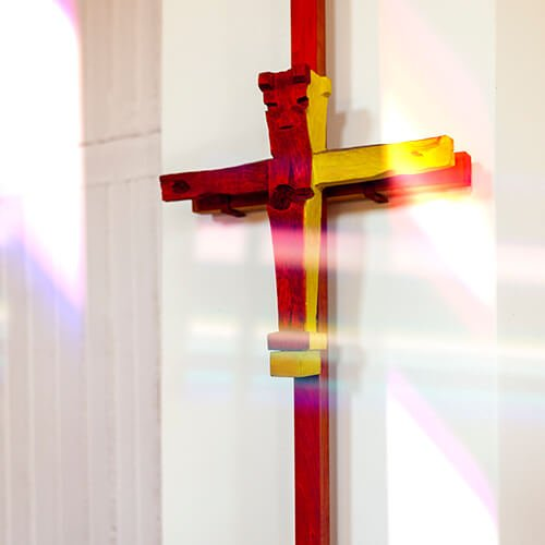 Kreuz gestaltet von Friedrich Press, Foto: Jakob Gleisberg